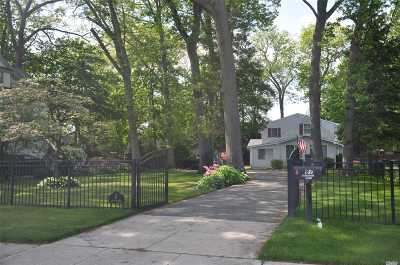 Rockville Centre Single Family Home For Sale: 87 Driscoll Ave