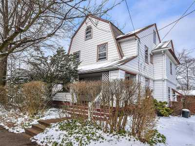 Port Washington Single Family Home For Sale: 69 Bayview Ave