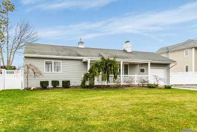 Massapequa Single Family Home For Sale: 15 Leewater Ave