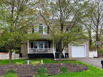 Sound Beach Single Family Home For Sale: 25 Milburn Rd