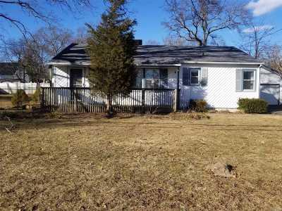Islip Single Family Home For Sale: 15 Cornell St