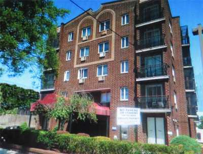 Middle Village Condo/Townhouse For Sale: 72-31 Metropolitan Ave #1C