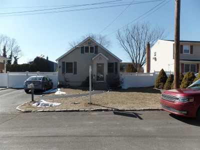 W. Babylon Single Family Home For Sale: 105 Sexton Rd