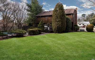 Syosset Single Family Home For Sale: 43 Pelican Ct