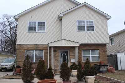 Hempstead Single Family Home For Sale: 142 E Graham Ave