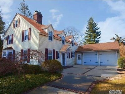 W. Hempstead Single Family Home For Sale: 92 Woodview Rd