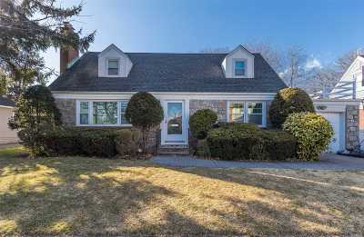 Rockville Centre Single Family Home For Sale: 70 Kensington Ave