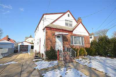 Floral Park Single Family Home For Sale: 17 Main St