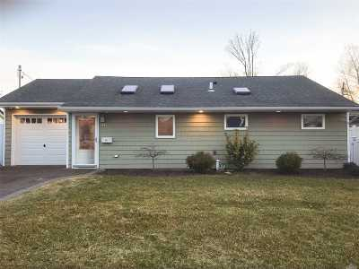 Bethpage Single Family Home For Sale: 30 Wilson Ln