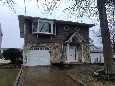 Copiague Single Family Home For Sale: 247 Baylawn Ave