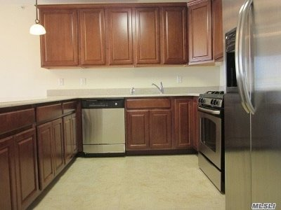 Queens County Condo/Townhouse For Sale