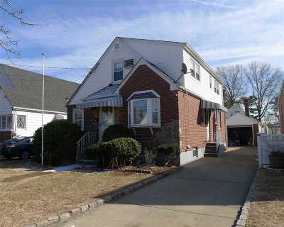 New Hyde Park Single Family Home For Sale: 1404 Park Ave