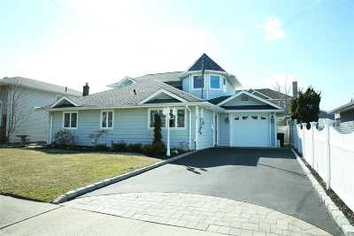 Massapequa Single Family Home For Sale: 49 Highwater Ave
