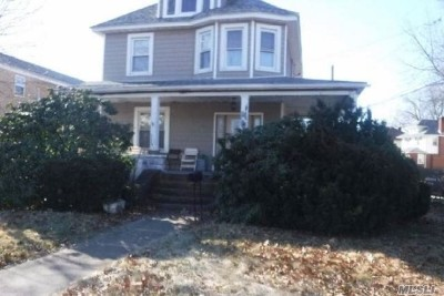 Lynbrook Single Family Home For Sale: 175 Hempstead Ave