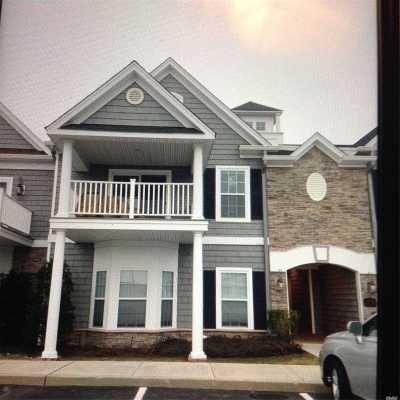 Copiague Condo/Townhouse For Sale: 36 Nicole Ct