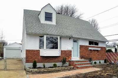 Hicksville Single Family Home For Sale: 5 Carroll St