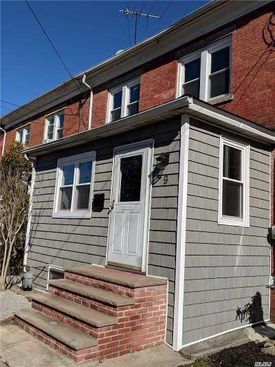 Farmingdale Single Family Home For Sale: 9 Columbia St