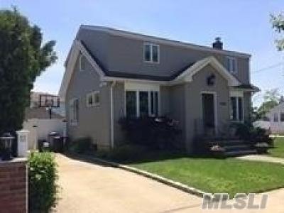 N. Bellmore Single Family Home For Sale: 205 Oswego St