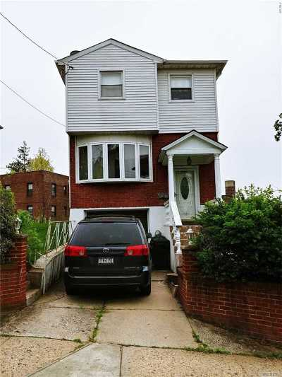 Little Neck Single Family Home For Sale: 40-04 Westmoreland St