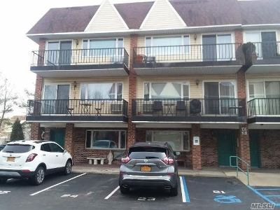 Lynbrook Condo/Townhouse For Sale: 106 Atlantic Ave