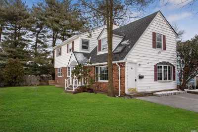 Garden City Single Family Home For Sale: 45 Maple St