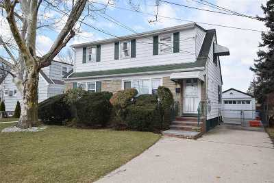W. Hempstead Multi Family Home For Sale: 370 Mulberry Ln