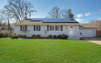 Islip Single Family Home For Sale: 34 Winganhauppauge Rd