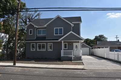 Floral Park Single Family Home For Sale: 411 Roquette Ave