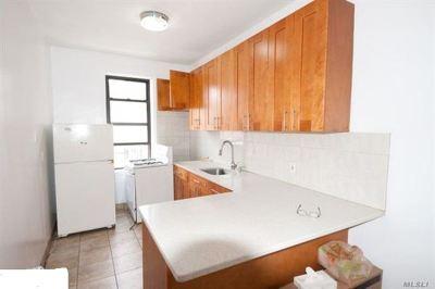 Sunnyside Rental For Rent: 4012 Greenpoint Ave #2F