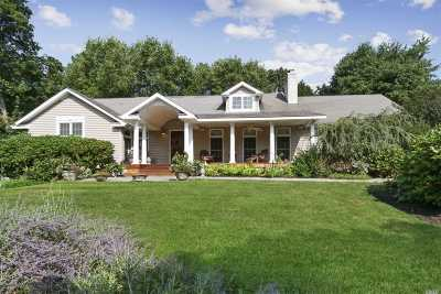 Huntington Single Family Home For Sale: 51 Flower Hill Rd