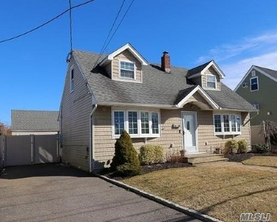 Bellmore Single Family Home For Sale: 909 Sunrise Ave
