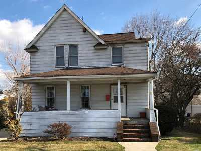 Freeport Single Family Home For Sale: 241 Church St