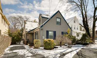 Woodmere Single Family Home For Sale: 991 Singleton Ave
