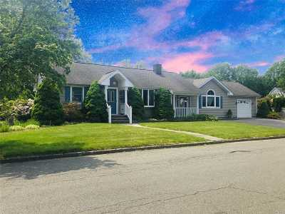 Syosset Single Family Home For Sale: 1 Apple St