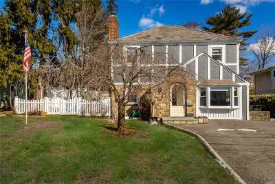 Roslyn Single Family Home For Sale: 27 North Ct