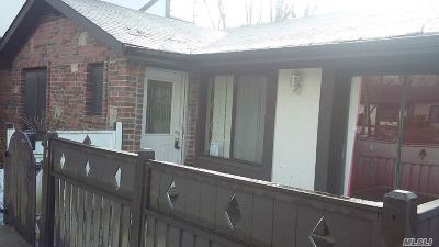 Medford Condo/Townhouse For Sale: 18 Birchwood Rd