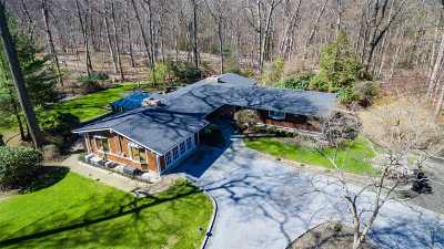 Nissequogue Single Family Home For Sale: 10 Wilderness Rd
