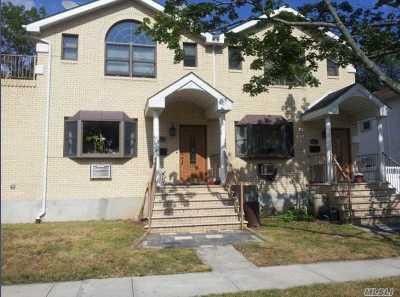 Flushing Single Family Home For Sale: 58-11 192nd St