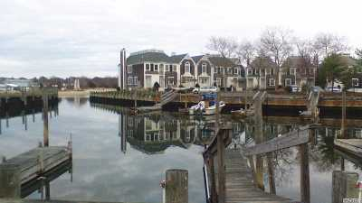 Greenport Condo/Townhouse For Sale: 20 Stirling Cove