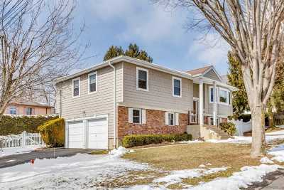 Glen Head Single Family Home For Sale: 17 Hillside Ave
