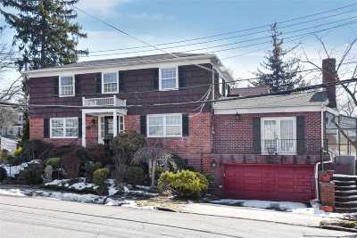 Douglaston Single Family Home For Sale: 242-34 Barrows Ct