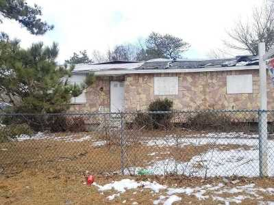 Wyandanch Single Family Home For Sale: 39 S 26th St