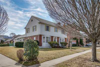 Bayside Single Family Home For Sale: 214-18 29 Ave