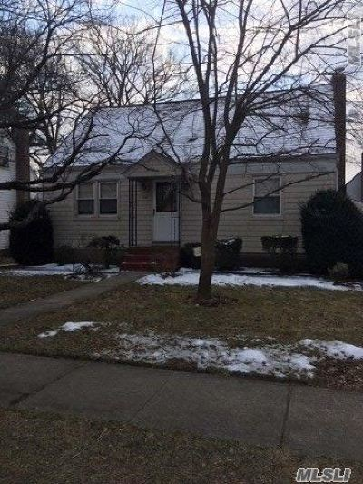 Bellmore Single Family Home For Sale: 507 Oak St