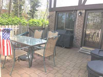 Coram Condo/Townhouse For Sale: 69 Skyline Dr