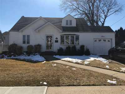 Massapequa Park Single Family Home For Sale: 114 Arthur St