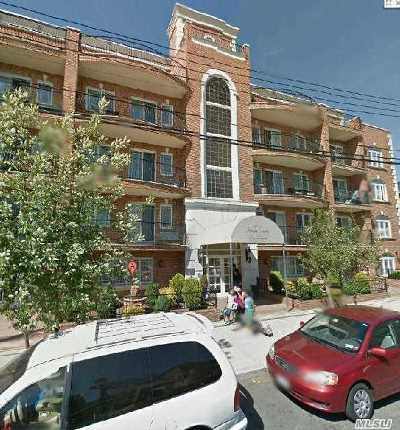 Woodside Condo/Townhouse For Sale: 69-07 43rd Ave #3C