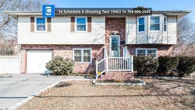 Bay Shore Single Family Home For Sale: 87 Beldon Ln