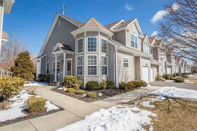 Miller Place Condo/Townhouse For Sale: 26 Avery Ln