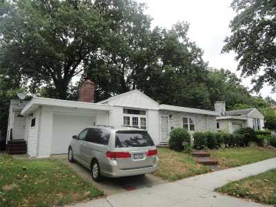 Fresh Meadows Single Family Home For Sale: 67-11 185th St
